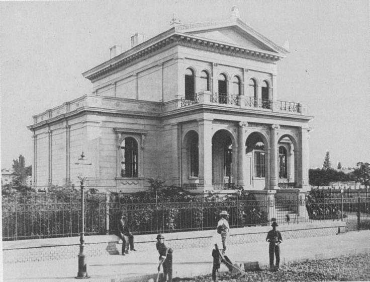 Edificio all'inizio del viale Andrassy (ca 1880)