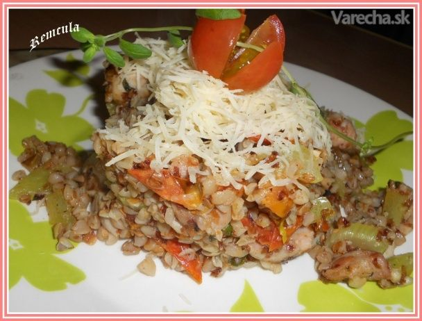 Pohánka so zeleninou a kuracím mäsom v majoráne (fotorecept)