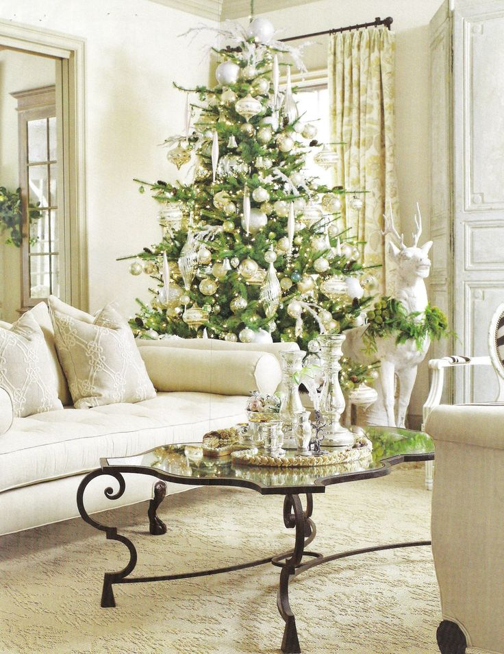 A Flippen Life: Lisa Luby Ryan Decorates for the Holidays