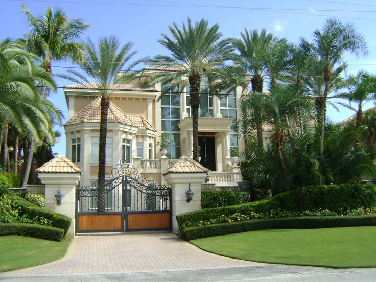 69 best images about beautiful homes on pinterest for Amazing beautiful houses