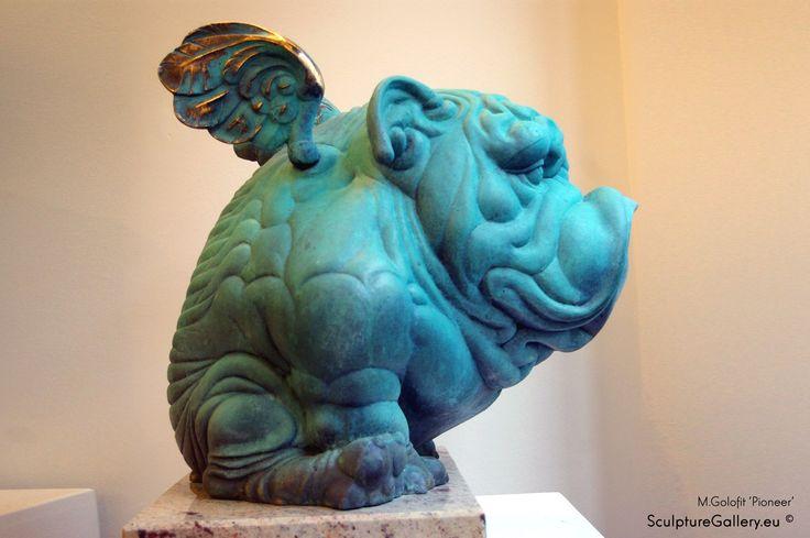 """""""Pioneer"""" """"Pionier"""" rzeźba z brązu, autor Mirosław Gołofit"""