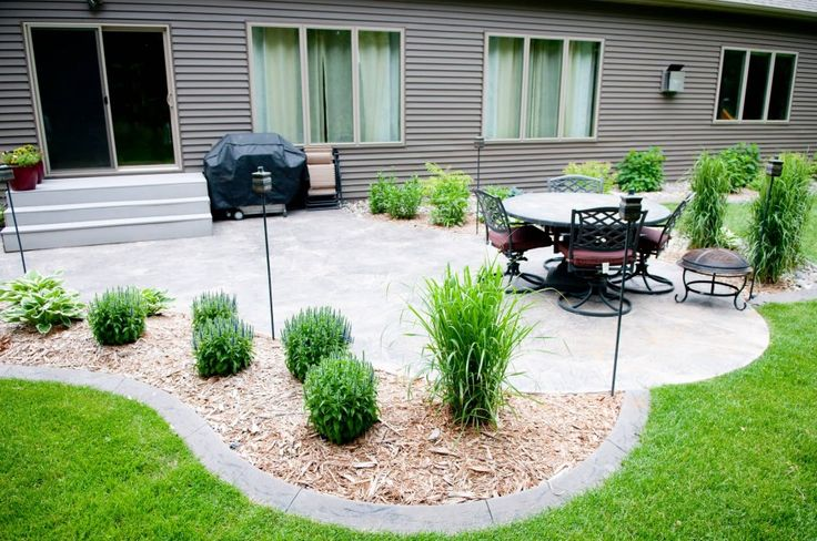 Flagstone patio - then use similar border around mulched gardens - Exterior Design: Nice Traditional Patio With Cheap Patio Ideas Also Backyard Patio And Grey Panel Siding With Grill And Lawn Also Outdoor Furniture And Stone Patio Ideas Plus Potted Plants, outdoor cushions, gravel ~ Franklester