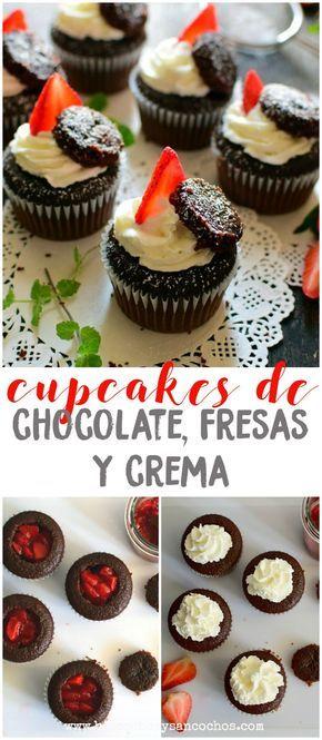 Cupcakes esponjosos de chocolate, rellenos de trozos de fresas maceradas y decorados con crema batida, fresas frescas y trozos del mismo bizcocho, fáciles y deliciosos