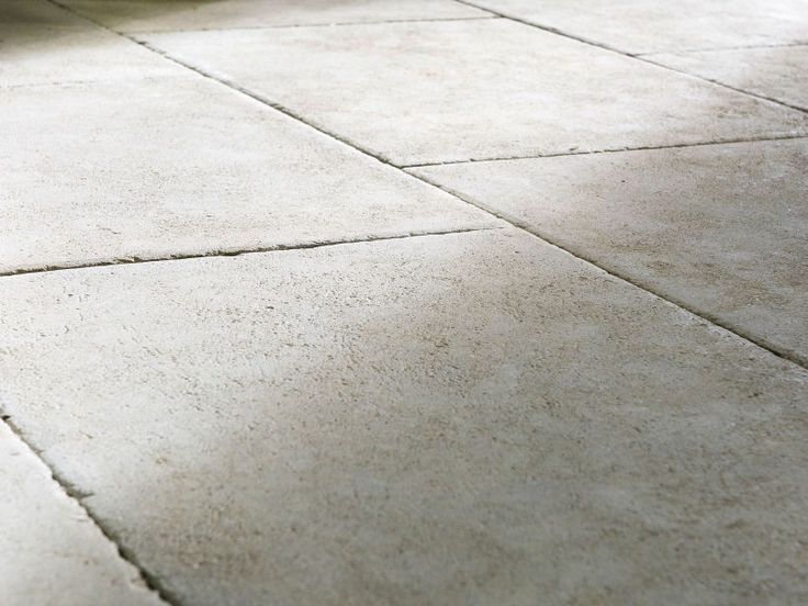 Eco Outdoor Chalford limestone paving close up, Rollingstone Landscapes. Eco…