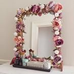 10 Fab DIY Mirrors You Can Easily Make Yourself How to Decorate a Mirror with Flowers