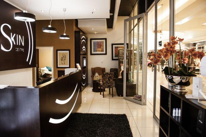 Интерьер салона красоты – Вход в помещение
