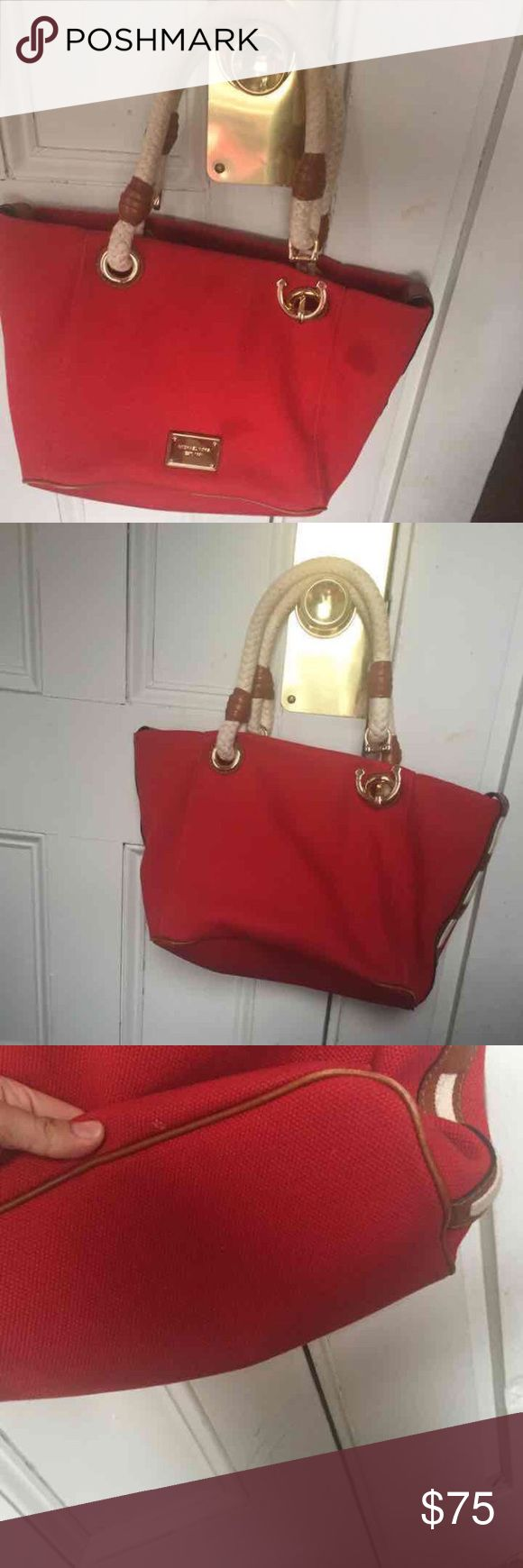 ⬇️Michael Kors Red handbag 👜 100% Authentic. Some small signs of wear. Smoke and pet free home. PRICE TO SELL. Available in Ⓜ️ercari for better price Michael Kors Bags Shoulder Bags