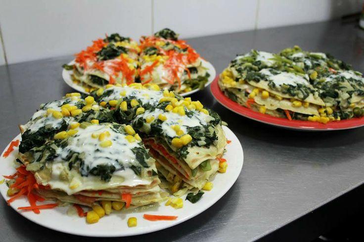 Torta de panqueques! (Este y muchos platos fondos más puedes comer en nuestro café Triana en Providencia en Santiago de Chile!!)