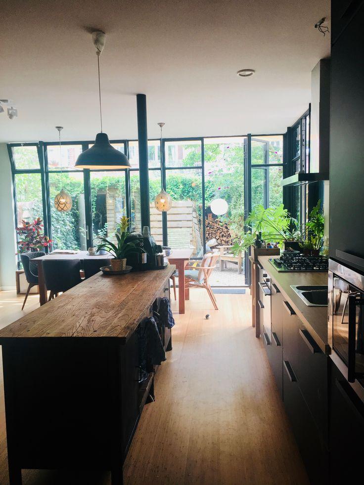 Kungsbacka keuken Ikea met oude werkbank als keukenblok ...