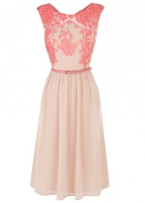 Lovely wedding guest dress. So feminine and classy.