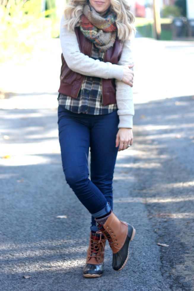 Plaid + Duck Boots | The Pretty Life Girls | @myrackroomshoes