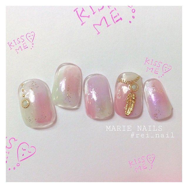 「〈キラキラ ✕ ゆめかわいい〉幻想的な'オーロラネイル'で、輝く指先をあなたに」に含まれるinstagramの画像|MERY [メリー]
