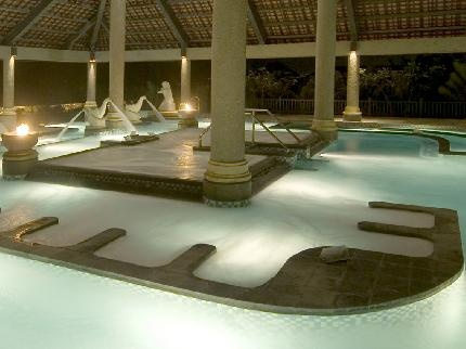 Ayana Resort and Spa - Seawater Therapy Pool