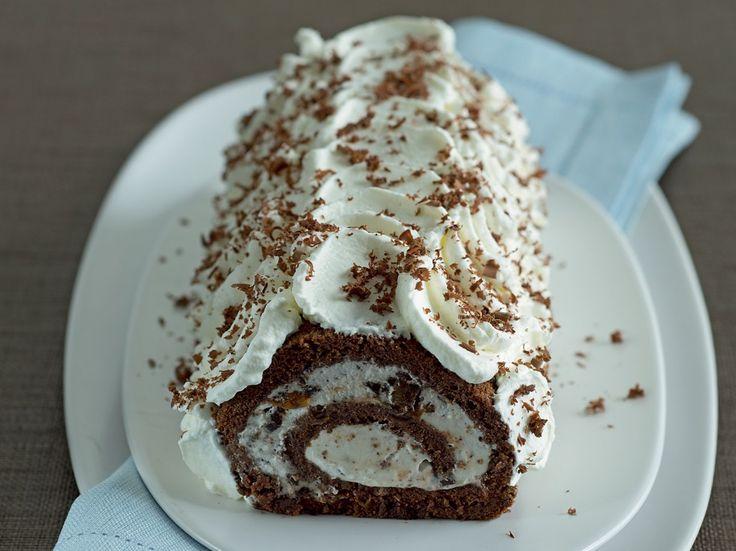 Rotolo di cioccolato con panna e marron glacè