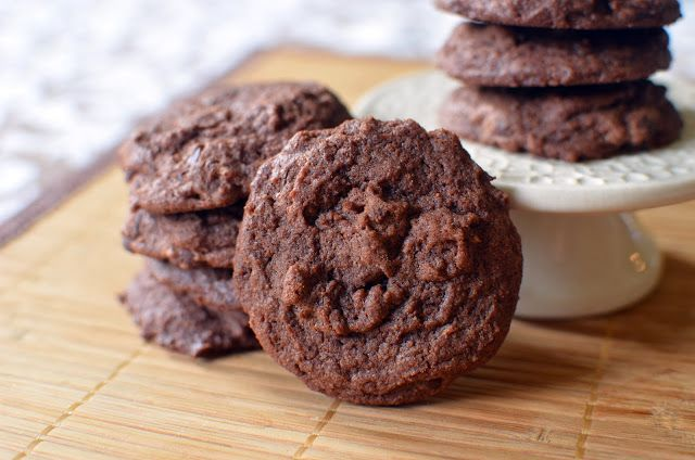 Trisha's Brownie Batter Cookies - ButterYum  I was watching Trisha Yearwood's cooking show the other day when she made  these Brownie Batter Cookies.  They sounded so good that I waisted no time  and headed straight to the kitchen to whip up a batch.  They're crispy on  the outside and soft and chewy on the inside - just perfect when you need a  chocolate fix.  Thanks Trisha!  Trisha's Brownie Batter Cookies  makes 24 cookies  Printable Recipe  adapted from a recipe byTrisha Yearwood  16 ...