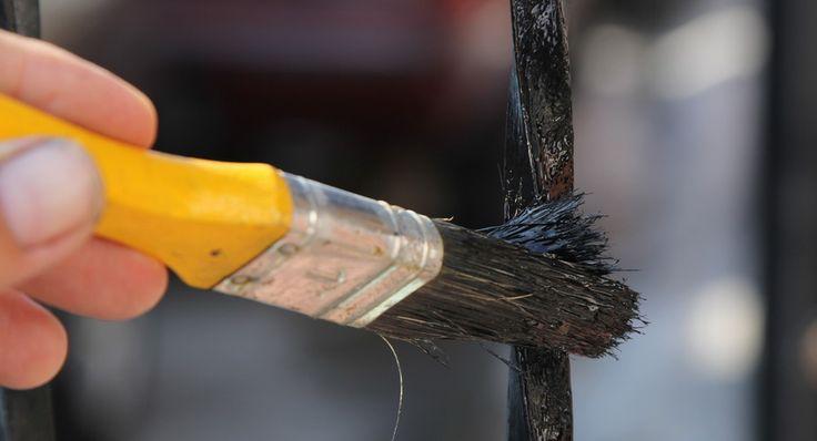 Краска по ржавчине для наружных работ по металлу и ее использование http://remoo.ru/materialy/kraska-po-rzhavchine-dlya-naruzhnyh-rabot-po-metallu/