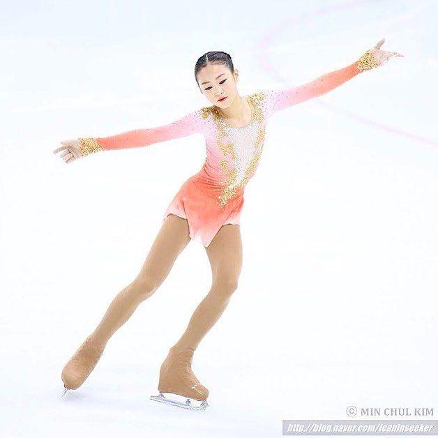 Ji Yun wearing a custom designed dress by Lisa Mckinnon at the 2016 Korean National Figure Skating Championships! 💕💛💖 #lisamckinnon #costumedesigner #figureskating #iceskating #custom #dress #design #ombre #swarovski #crystals #gold #korea #competition #nationals #jiyun #beverlyhills