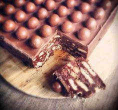 Πανεύκολο+σοκολατένιο+μπισκοτογλυκό+ψυγείου+με+Maltesers