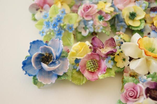 The collection: Vintage (mainly from the 30s and 40s) British porcelain flower brooches