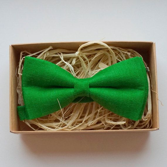 Green linen bow tie / Deep lime bow tie / Lime by ArtOfLithuania