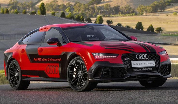 This self-driven Audi RS7 just beat professional racers at the racetrack!