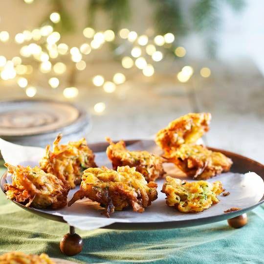 Groenten op hun feestelijkst. Recept -  Courgette-tijmbeignets - Boodschappenmagazine #kerst #hoofdgerecht #bijgerecht