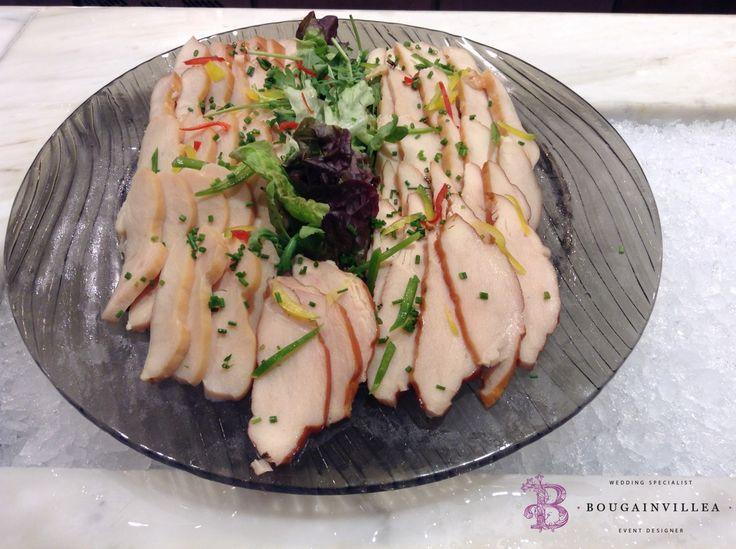 Manjar de lomo de cerdo, servido con cilantro por www.bougainvilleabodas.com.mx Bodas San Miguel de Allende