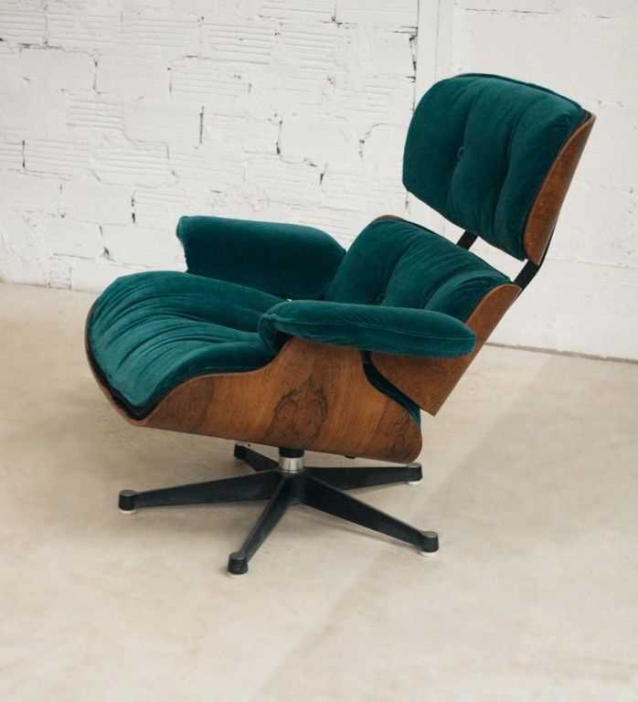 charles eames lounge chair fauteuil charles eames velours vert vitra authentique v ritable. Black Bedroom Furniture Sets. Home Design Ideas