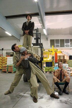 S.I.L.O.S.  Se Il Lavoro Osasse Scomparire  http://www.viefestivalmodena.com/spettacoli/s-i-l-s-se-osasse-scomparire/ Foto Giulia Bononcini