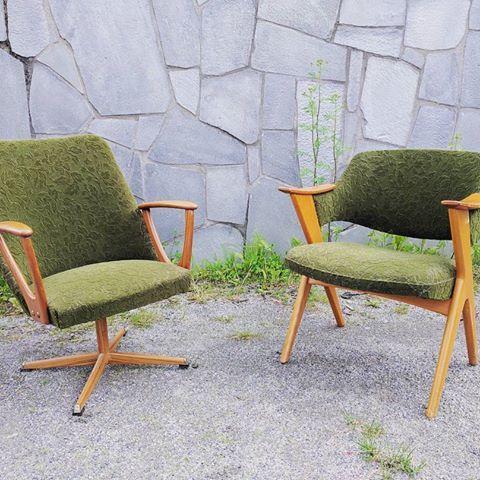 """""""Kelly"""" i teak frå Lied Lenestolfabrikk og """"Blinken"""" i bøk frå Hjellegjerde. To strøkne stolar klare for nye eventyr!   #lenestol #liedlenestolfabrikk #hjellegjerde #blinken #armchair #easychair #furnitureporn #bruktbutikk #gjenbruk #norskdesign #skandinaviskdesign #teak #retro #vintage #midcentury #midcenturymodern #interiør #møbler #møbel"""
