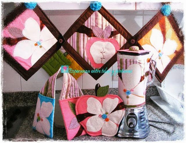 La cocina decorada en rosa y cafe