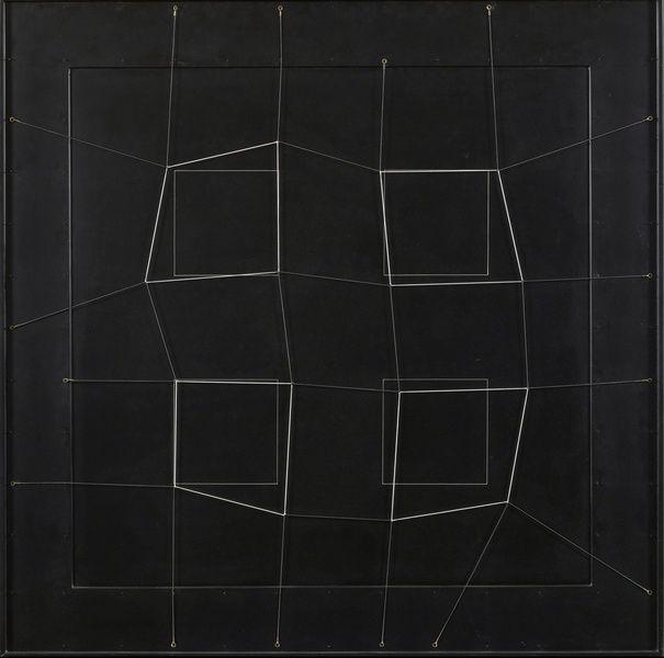 Gianni Colombo, Spazio elastico, 1975, Wood, paint, nails, elastic metal cord, 101 x 101 cm