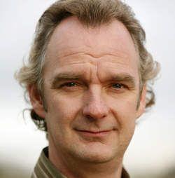 Stefan de Walle  . Sinds 2001 is hij verbonden aan het Nationale Toneel. In 2010 won hij de toneelprijs voor beste mannelijke bijrol voor zijn rol in het stuk De Kersentuin Bij ... Geboren: 15 september 1965