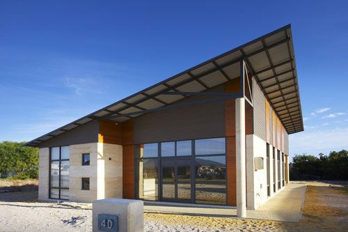 Rammed Earth By Design is a rammed earth building company located in Western Australia that provides a complete experience in fully finished residential home design. Stunning!