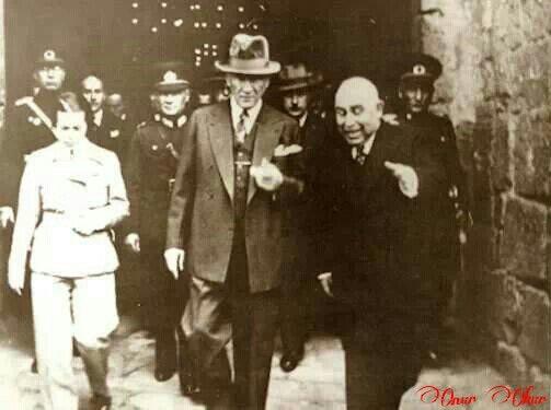 Atatürk, Sabiha Gökçen ile...