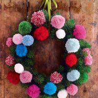 Une couronne de Noël en pompons - Marie Claire Idées