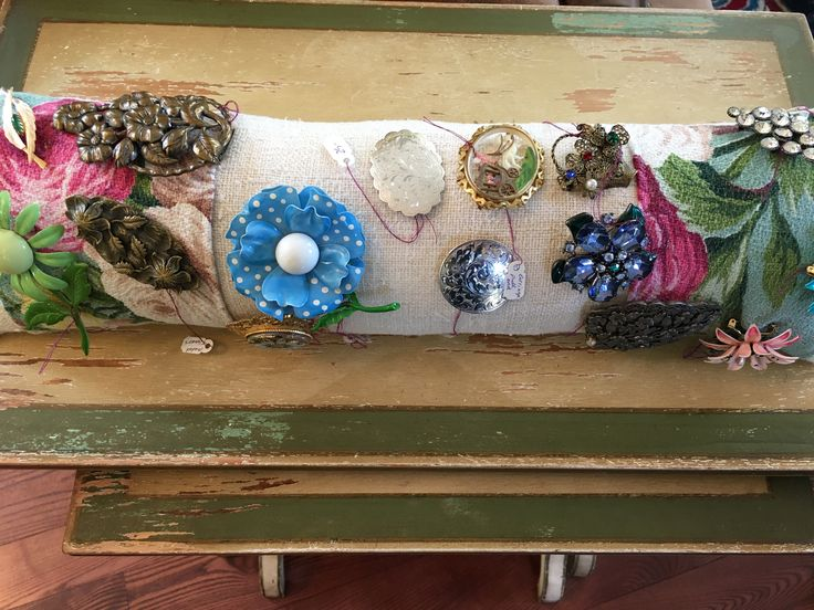 I made a pillow to show my brooches at my booth in Vineland Antiques. Arrive Sun. 30 th.