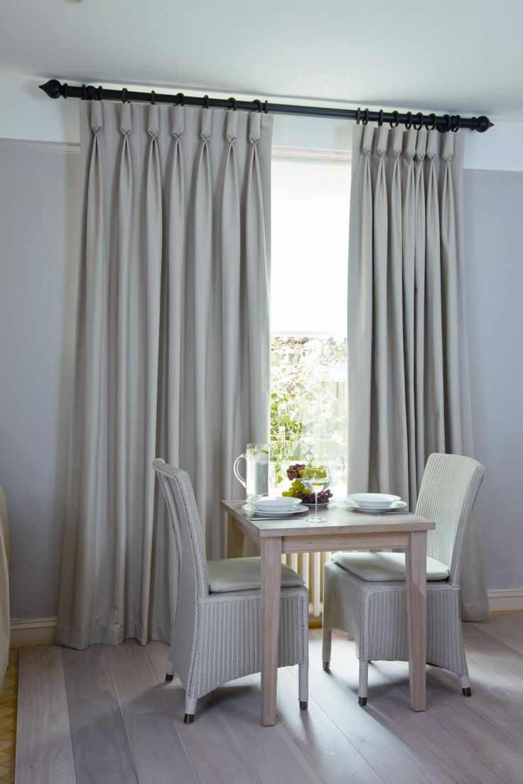 Living Room Curtain Styles 17 Best Images About Curtains On Pinterest Window Treatments