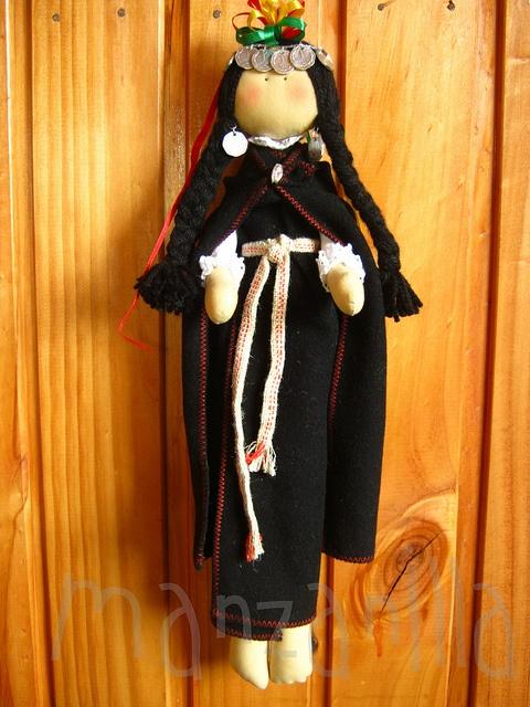 LLACOLEN  Muñeca Tradicional Mapuche