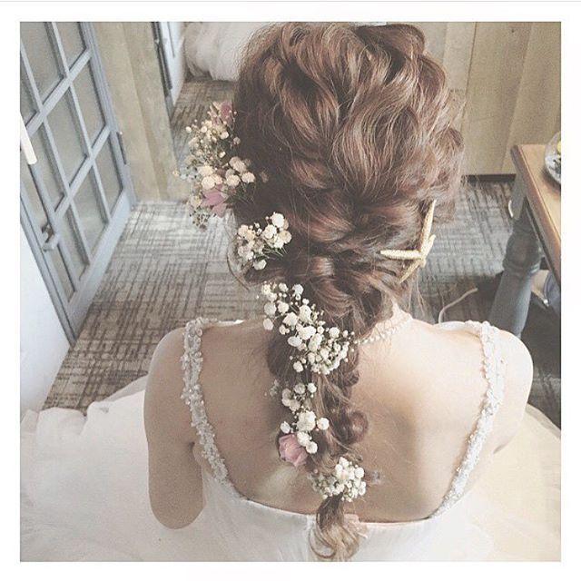 これから式を挙げるプレ花嫁さん必見!フォロワー数14万人超えの@yuu.rireさんのInstagramから、参考になること間違いなしの最新ブライダルヘアをお届けします。素敵すぎるアレンジばかりですよ。お気に入りのヘアスタイルで最高の日を迎えましょう♡