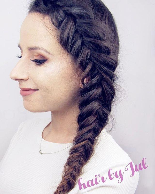 Kto chce się nauczyć zaplatać takie cudowności? Zostały jeszcze dwa miejsca na czwartkowe warsztaty  Info 4 posty niżej  . . . #hairbyme #hairbyjul #hairstyle #hotd #hairstyles #style #fashion #brunette #girl #polishgirl #me #selfie #hairselfie #hairofig #hairofinstagram #braidideas #instabraids #instahair #instagood #inspiration #hairstylist #hairartist #lovehair #hairart #ilovemyjob #hairstyleconfessions #hairstylistlife