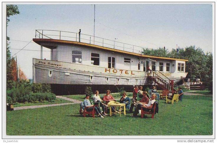 Hotel Restaurant De Alve Marren te Langweer. Er zijn vroeger migranten uit Indonesie opgevangen.