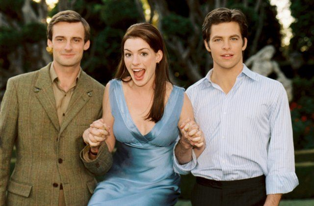 Still of Anne Hathaway, Chris Pine and Andrew Callum in The Princess Diaries 2: Royal Engagement
