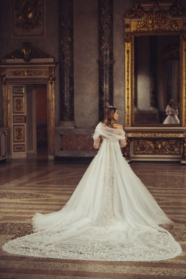 Mariage : Atelier Versace imagine des robes