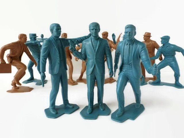 Kids Toys Action Figure: 1966 Man From U.N.C.L.E. TV Spy Show Action Figure Set