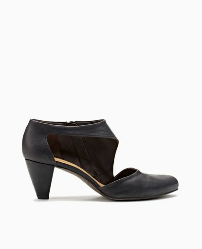 Sarah+Black- coclico shoes. I remember when this brand had affordable shoes. Sadly, I cannot afford $375 pumps, no matter how beautiful they may be :(
