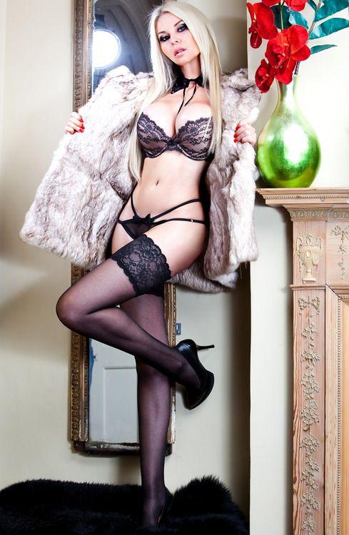 sexyFur Coats, Hot Babes, Sexy Women, Sexy Lingerie, Nude Lingerie, Fur Sexy, Black Lingerie, Coats Reblog, Hot Women