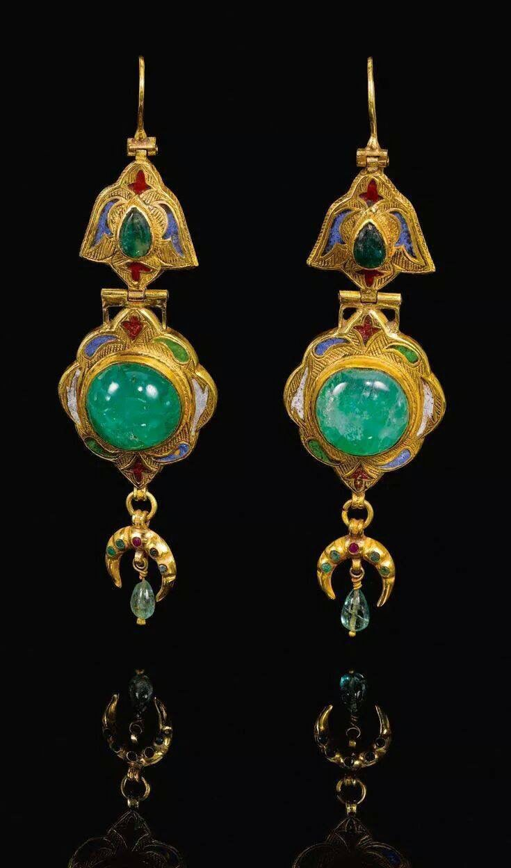 Gold, Emerald and Enamel Earrings, 18th Century