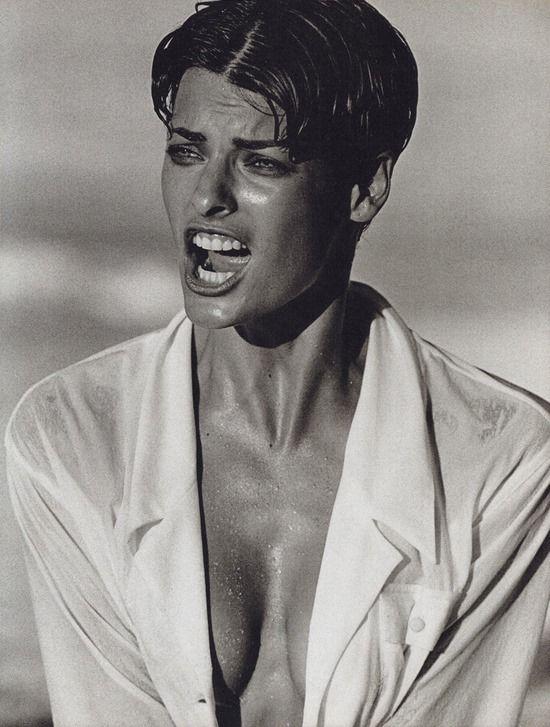Linda Evangelista by Peter Lindbergh in Vogue Italia December 1989 fashion editorial