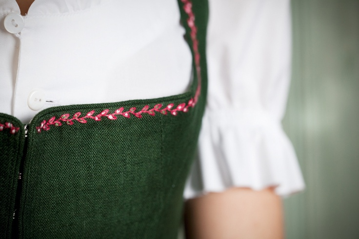 Detail Gössl Stanglwirt-Dirndl. Repinned by www.mygrowingtraditions.com